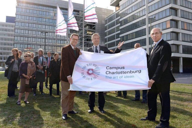 Beflaggung Campus Charlottenburg des Ernst-Reuter-Platzes