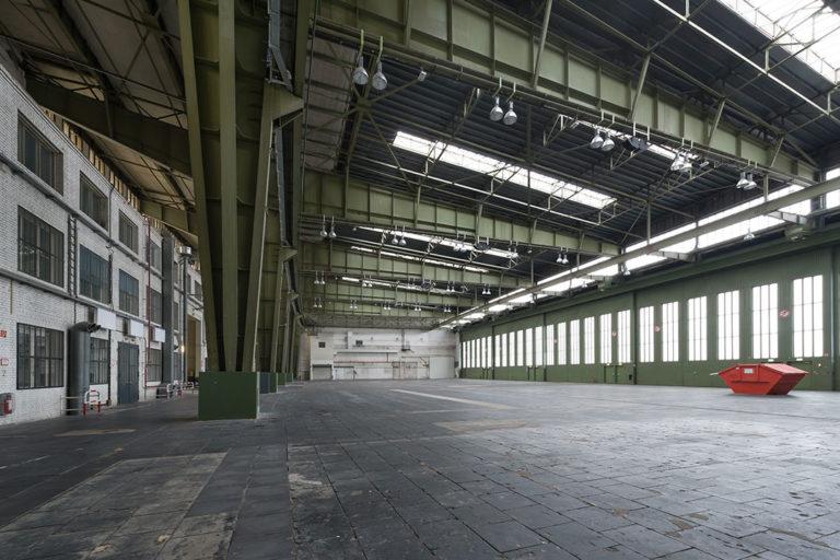 Zukunftsort Tempelhof: Leere Lagerhalle